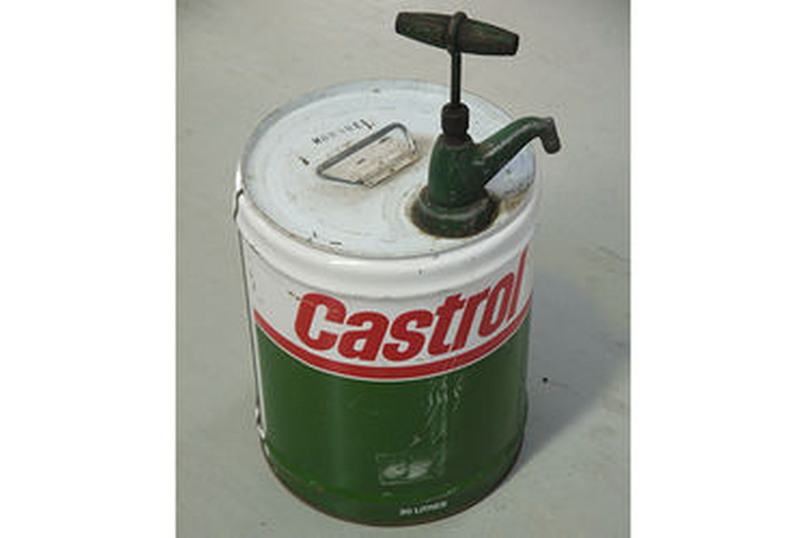 Sold oil drums x 3 1 x caltex on stand 1 x caltex on for What does the w stand for in motor oil
