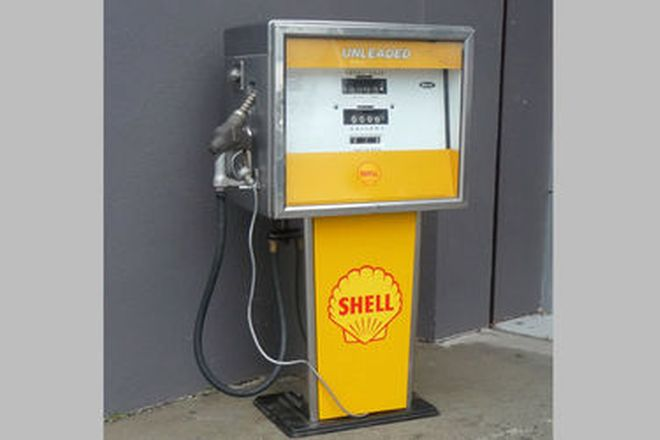 Petrol Pump - c1960's Wayne 734B Electric in Shell Livery