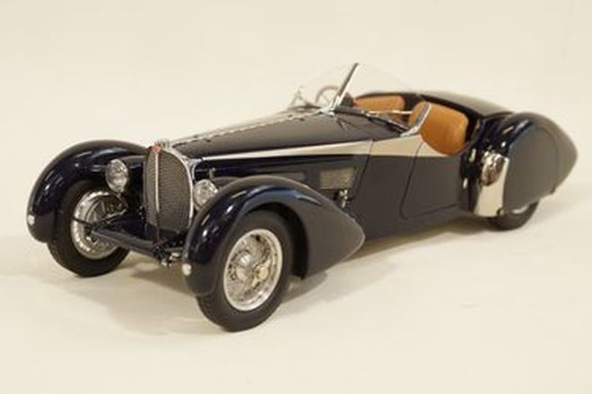 Model Car - Bugatti Type 57 SC Corsica Roadster diecast in Navy Blue by CMC, Germany