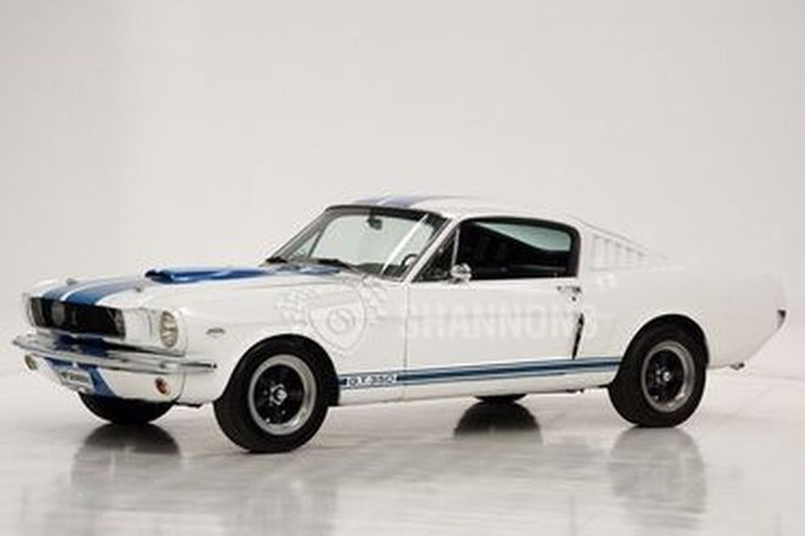 Ford Mustang 'Shelby Replica' Fastback (LHD)