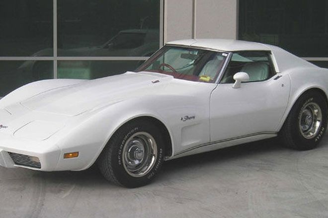 Chevrolet Corvette Stingray Coupe (RHD)