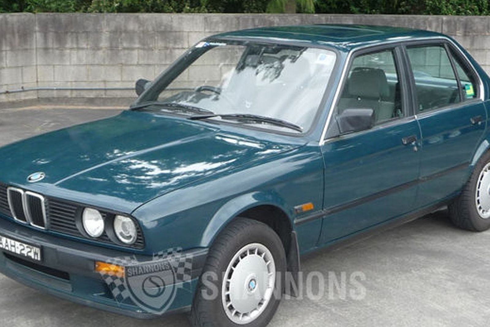 sold: bmw 318i sedan auctions - lot 6 - shannons