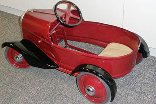 Child's Pedal Car - French 'Boat Tail' by Biet Rite (Restored - Approx. 80cm long)