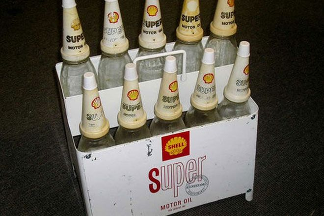Oil Rack - c1960 - 70's Shell rack with 10 bottles & Tops