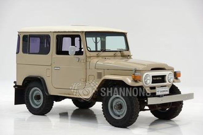 Toyota FJ40 Landcruiser SWB 2-Door Wagon