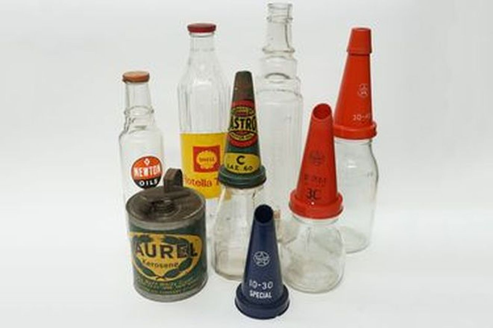 6 x Oil Bottles & 1 x Laurel Kerosene Tin - From the 'Ian Cummins Collection'