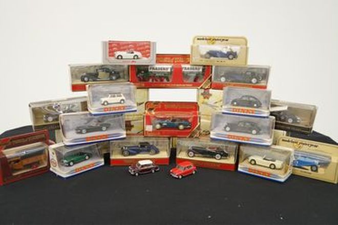 Model Cars - 26 x Assorted British, European (1:32 scale)