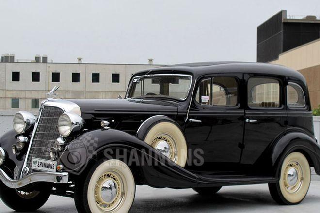 Hudson Deluxe Straight 8 Sedan (RHD)