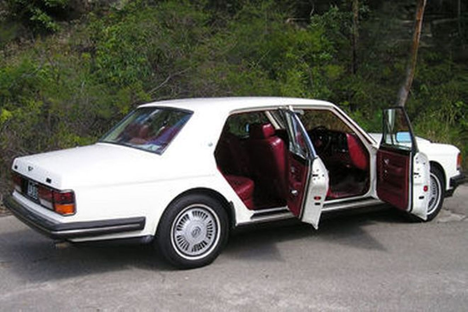 Bentley Eight Sedan