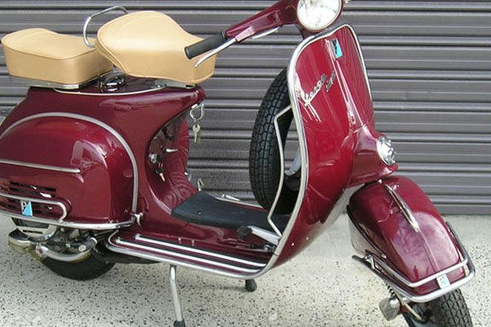 sold vespa super 150 scooter auctions lot 9 shannons. Black Bedroom Furniture Sets. Home Design Ideas