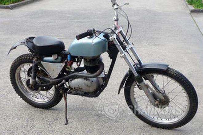 BSA B40 Scrambler 350cc Motorcycle