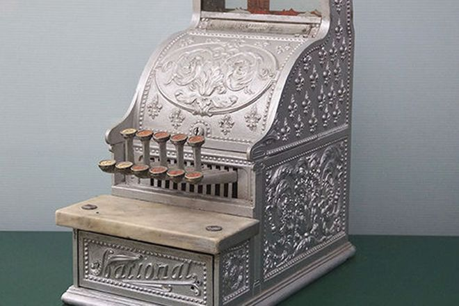 National Cash Register (in working order with coins and 2 keys)