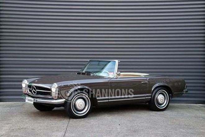 Mercedes-Benz 230SL Convertible (LHD)