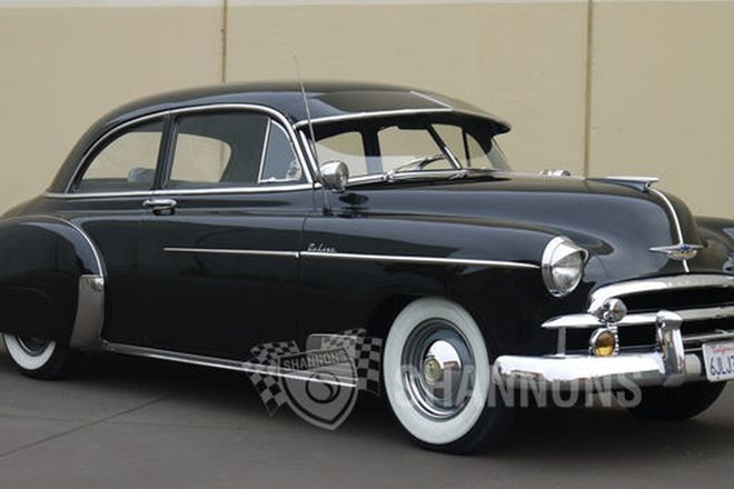 Chevrolet Deluxe 2 Door Sedan (LHD)