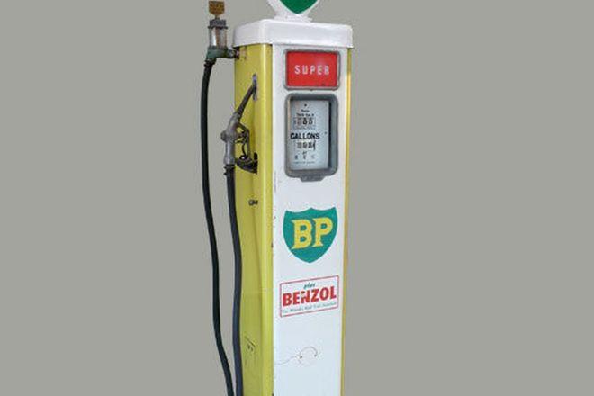 Petrol Pump - c1950's Wayne Electric in BP Livery (Unrestored)