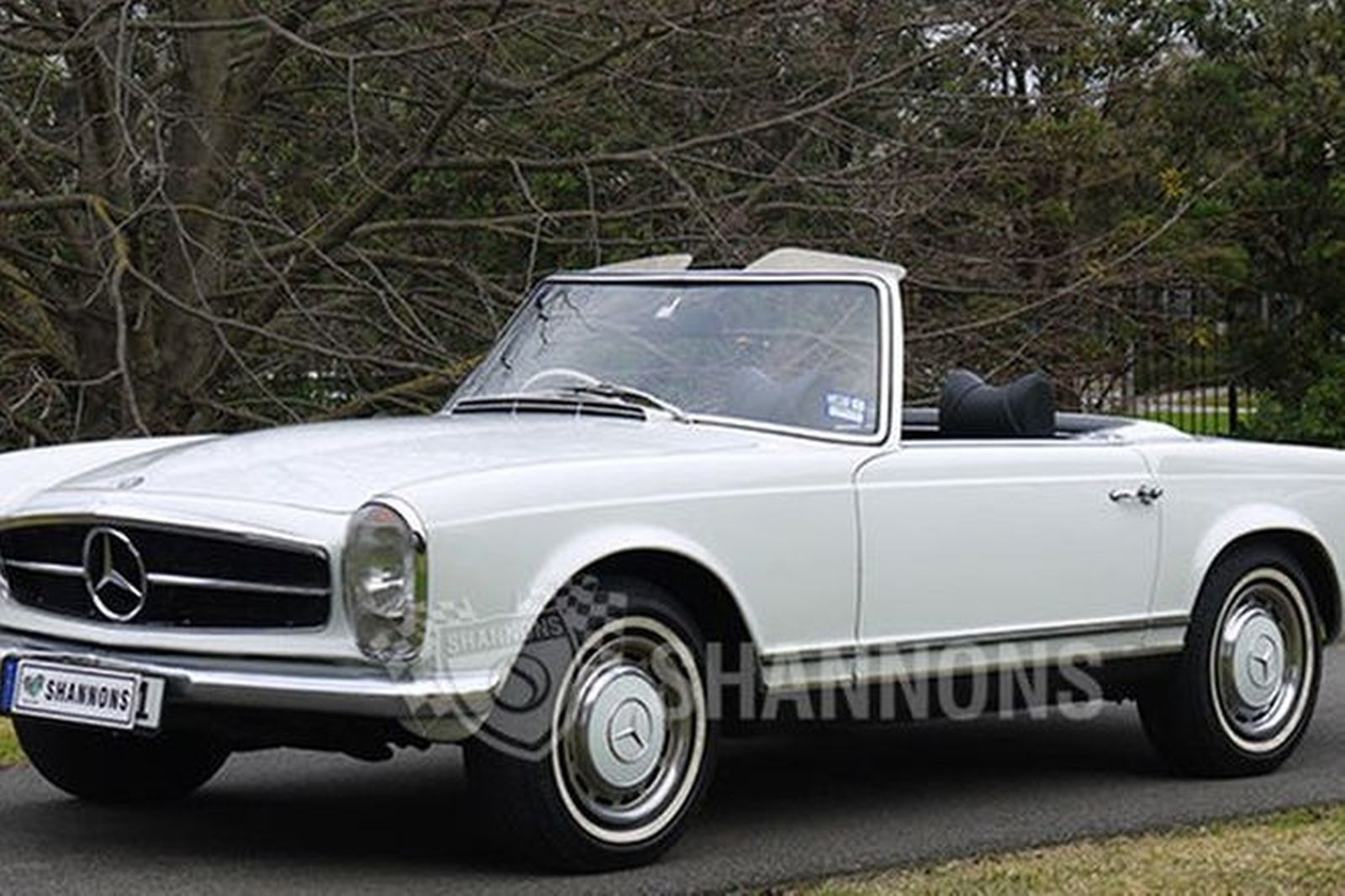 sold mercedes benz 280sl convertible auctions lot 18 shannons. Black Bedroom Furniture Sets. Home Design Ideas