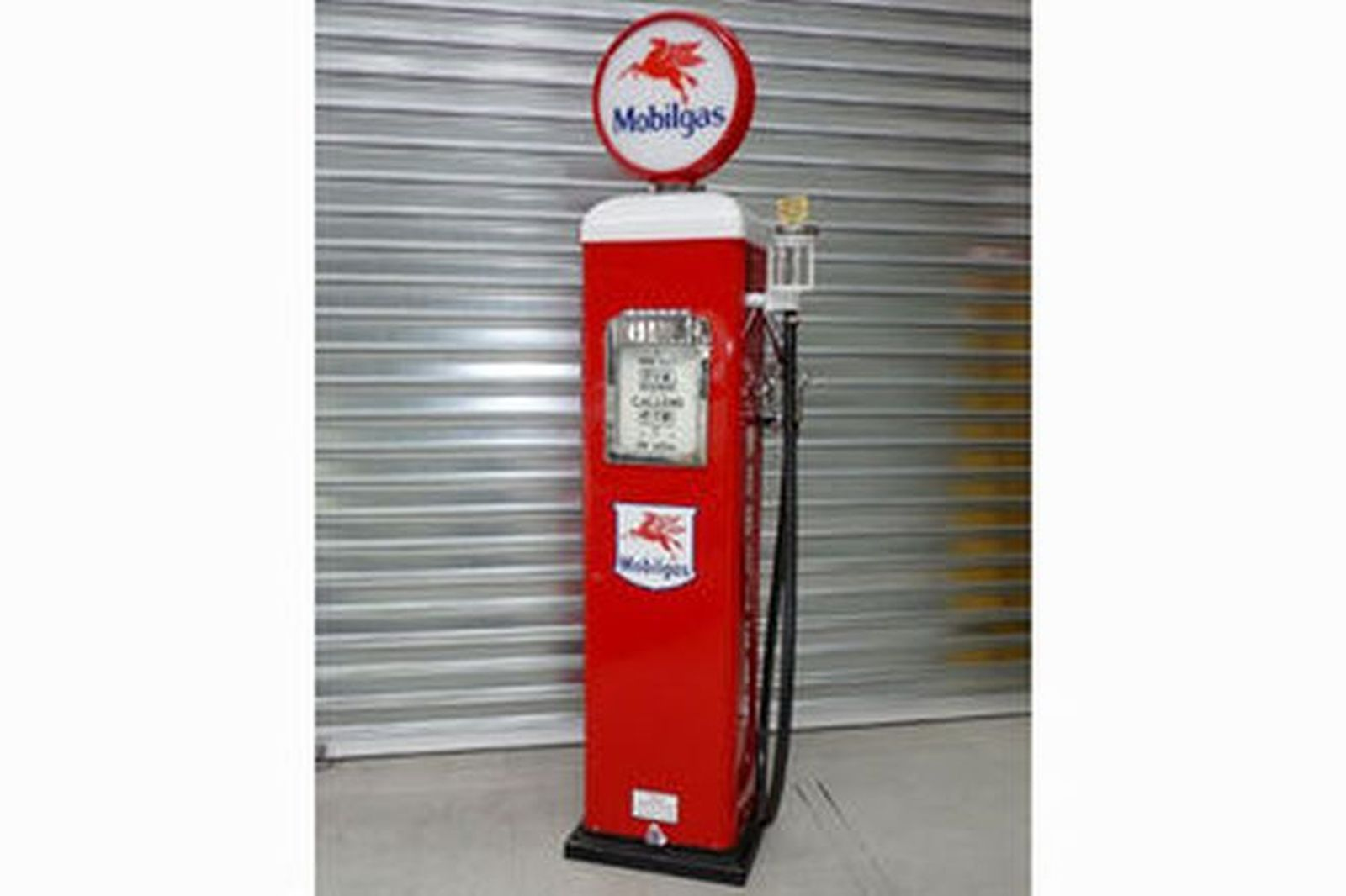 Petrol Pump - Gilbarco Electric in Mobilgas Livery (Restored)