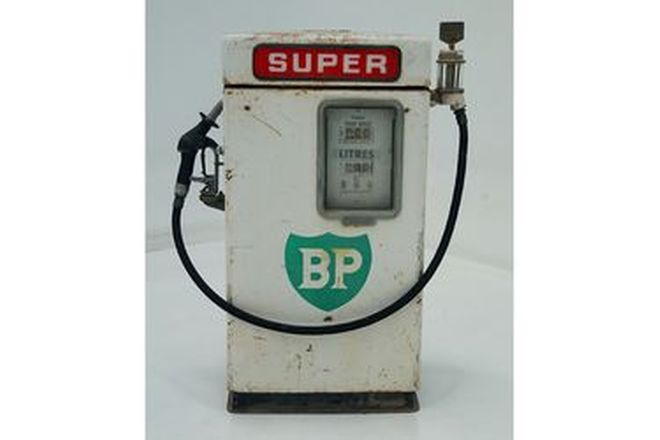 Petrol Pump - Unrestored Wayne 605 Industrial Bowser in BP Livery