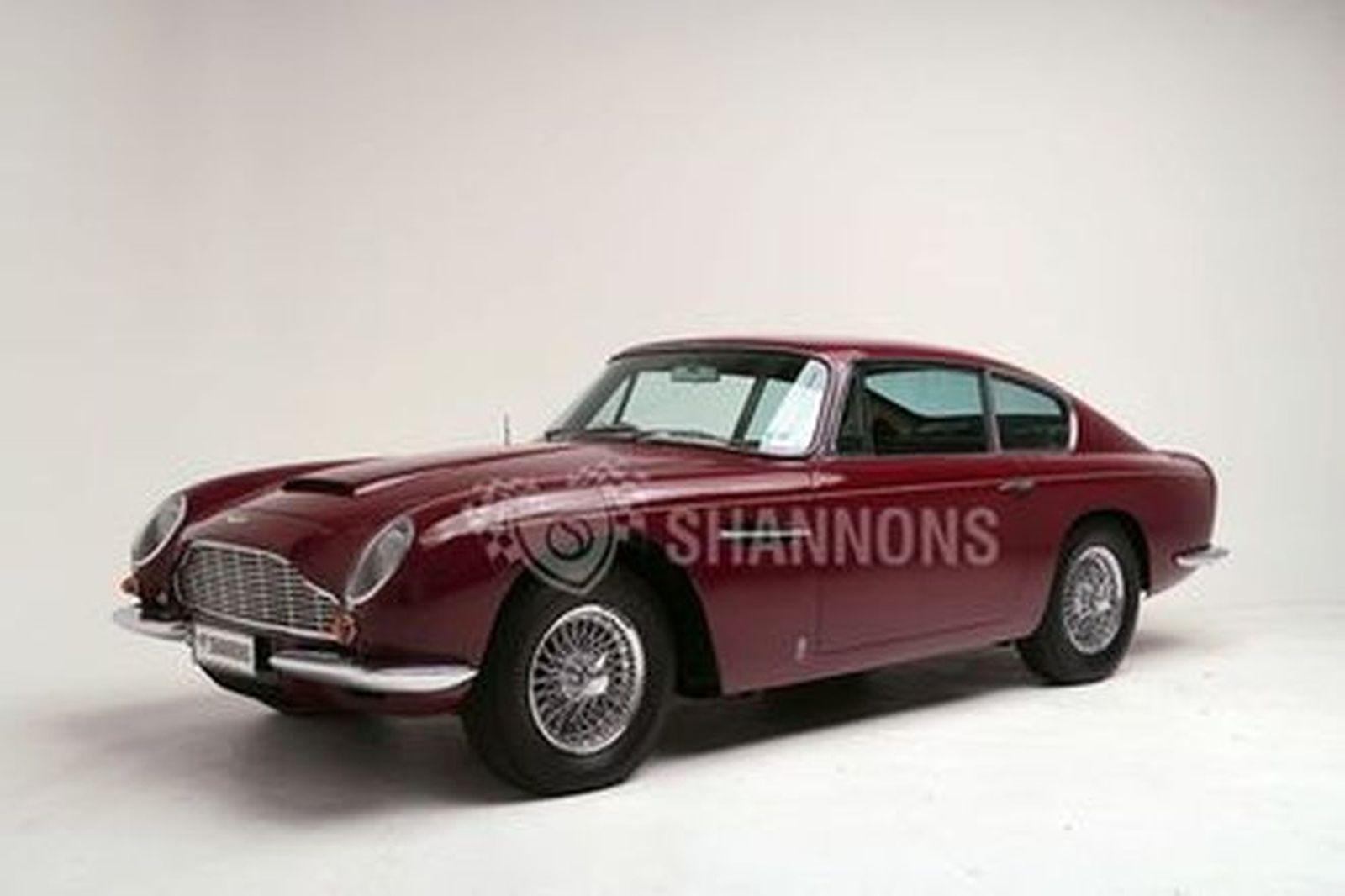 Aston Martin DB6 Coupe