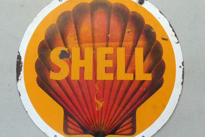 Sign - Shell enamel round (77cm wide)