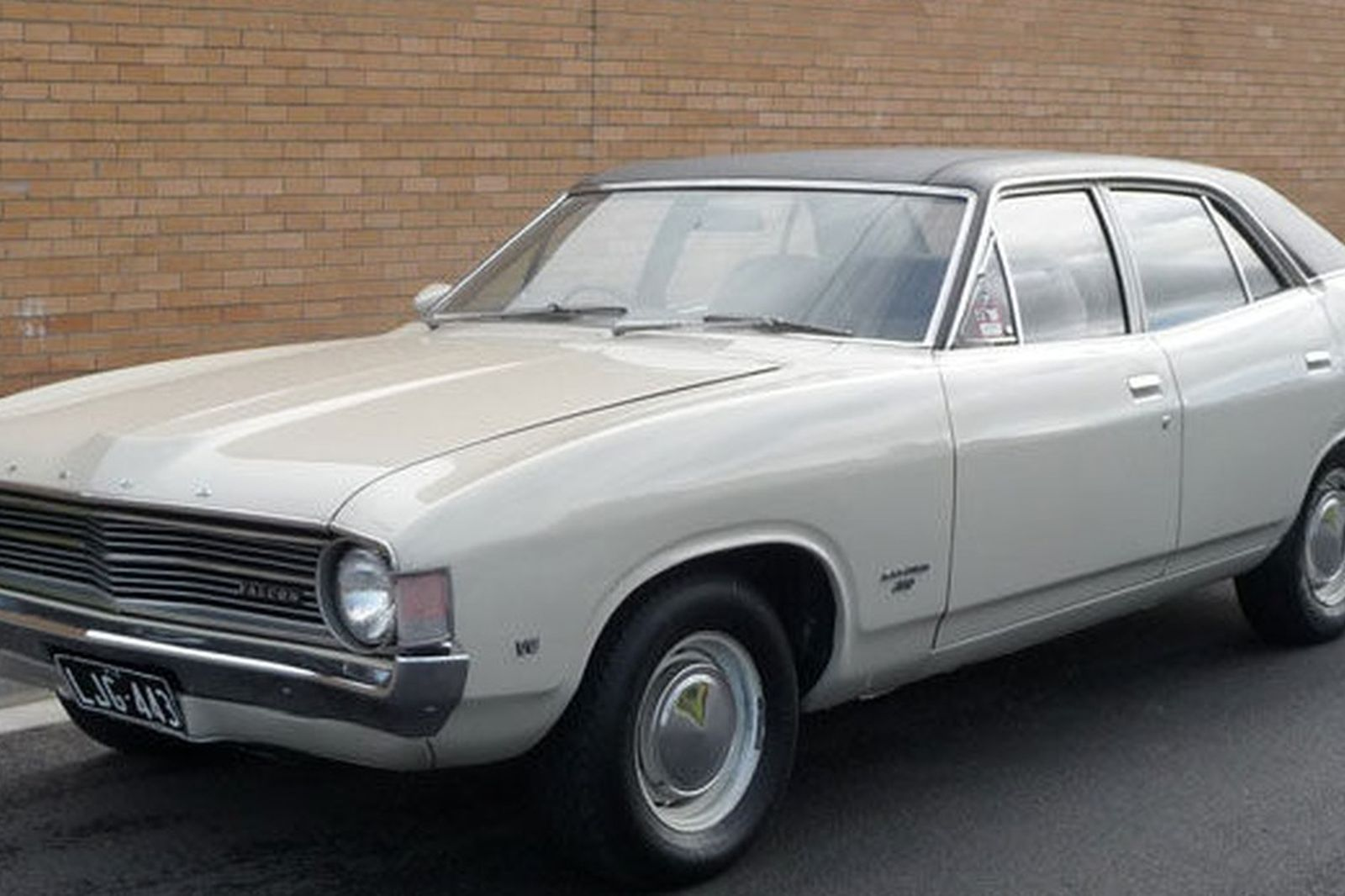 59418 in addition The 2013 Delorean Ev Back From The Future as well Tremendas Fotos De Ford Falcon together with HVLEP9N6AVX9125P furthermore Watch. on ford falcon xb gt coupe
