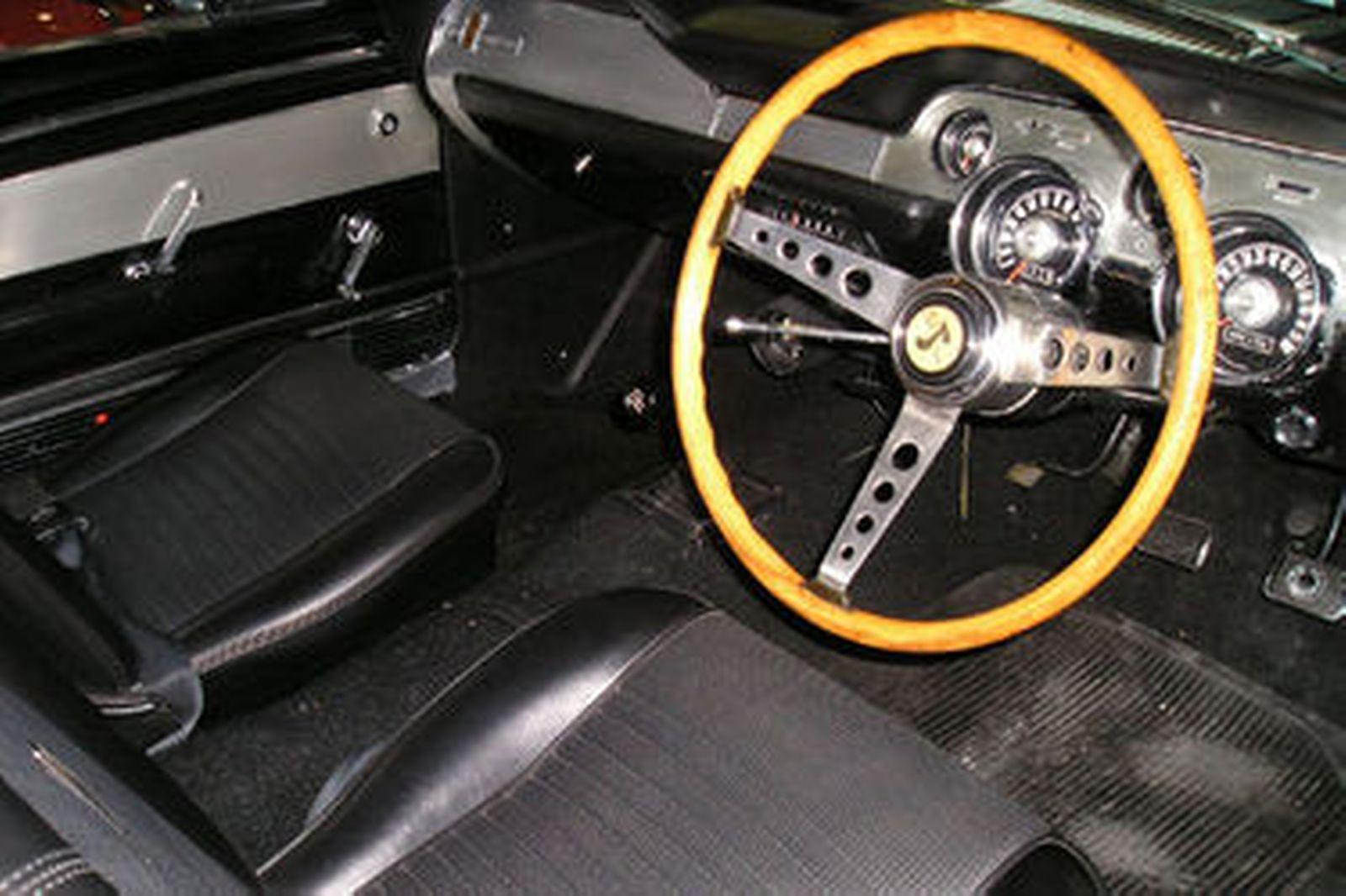Shelby Mustang GT500 Fastback (RHD)