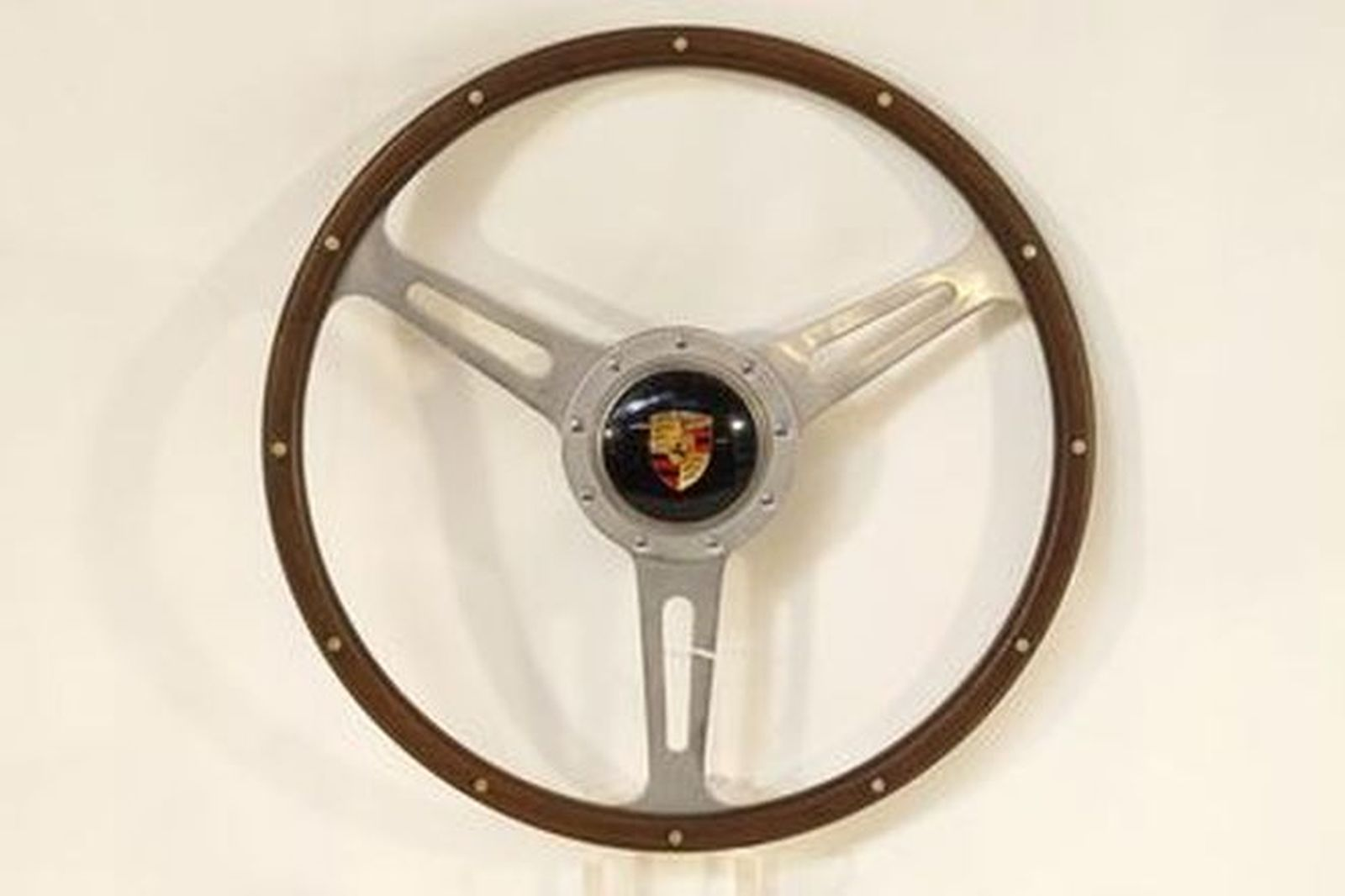 Steering wheel - 3-spoke wood rim 'Derrington style' with Boss and horn button to suit Porsche 356