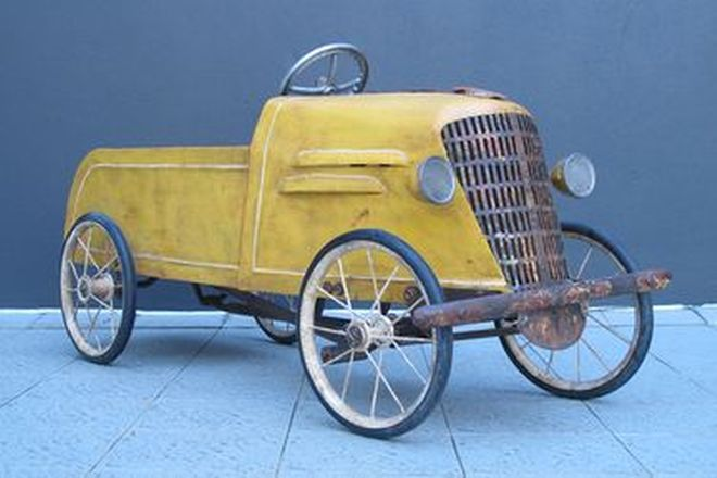 Pedal Car - Childs c1940s Peerless Yellow Pedal Car
