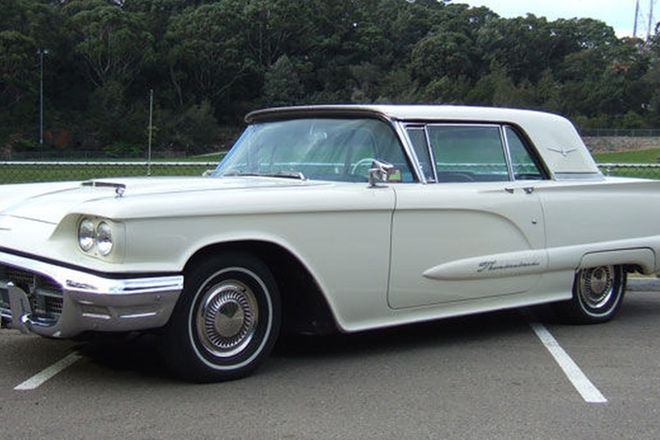 Ford Thunderbird 'Golde Roof' Coupe (LHD)