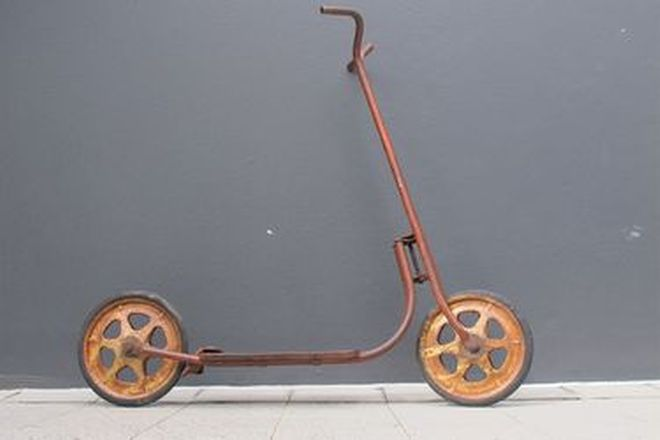 c1960's Mobo Childs Two Wheel Metal Scooter