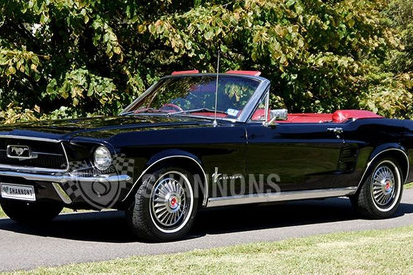 Group of Ford Mustang 1967 Convertible