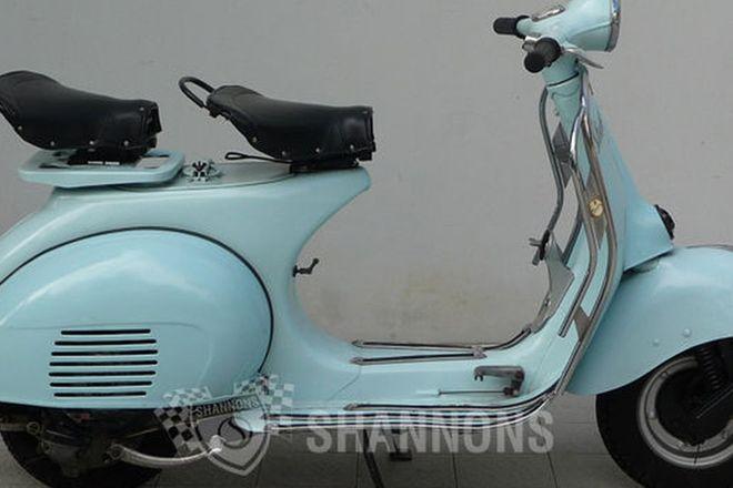 Vespa Douglas 125cc Scooter