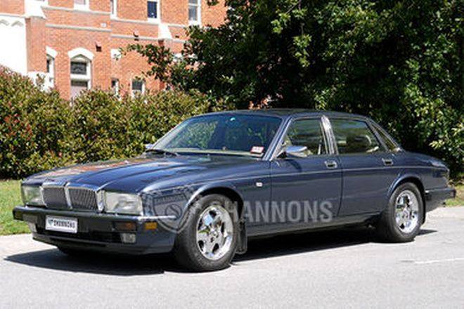 Jaguar XJ6 Sovereign Sedan