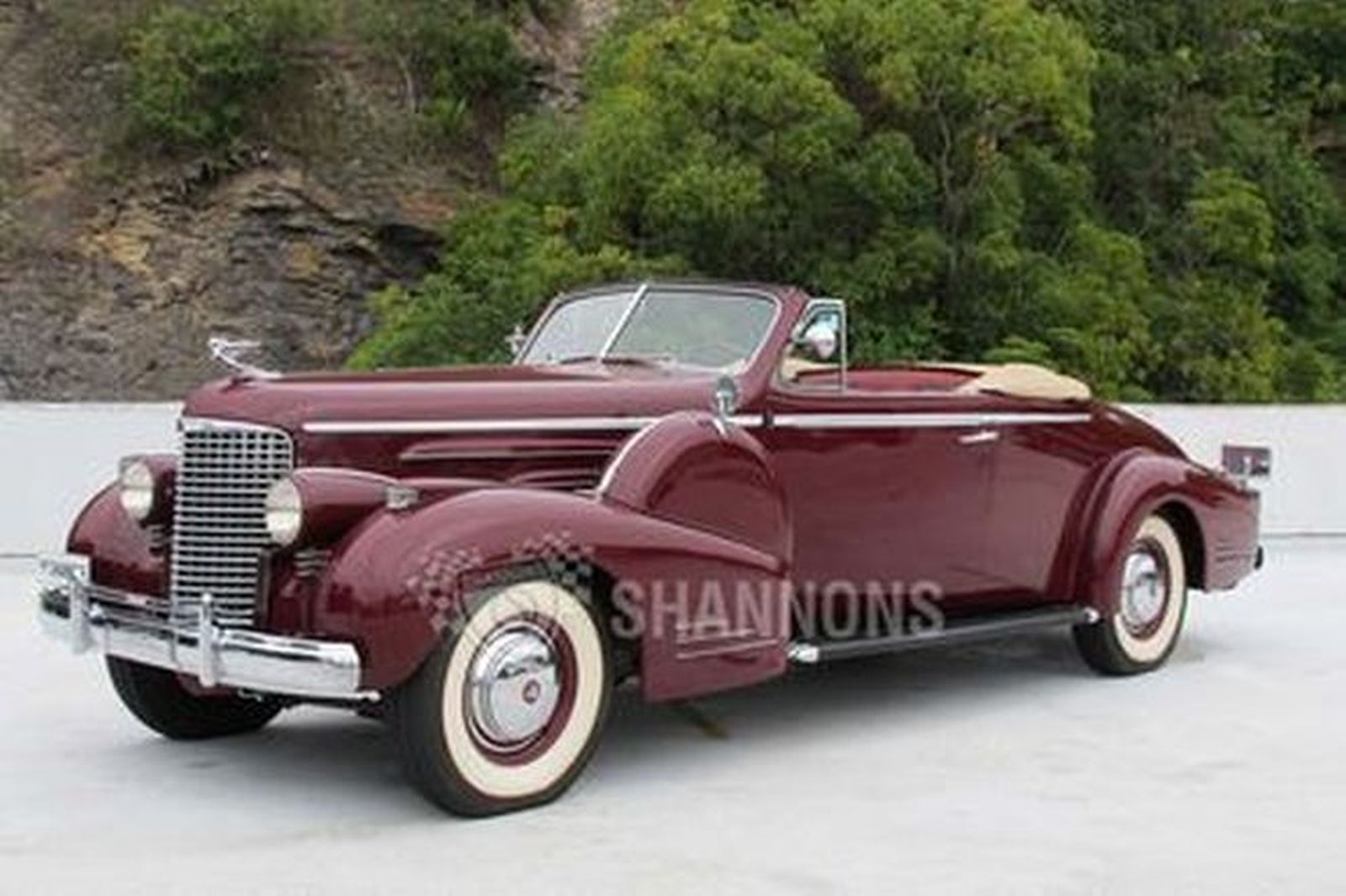 Cadillac V16 Series 38-90 Convertible Coupe (LHD)