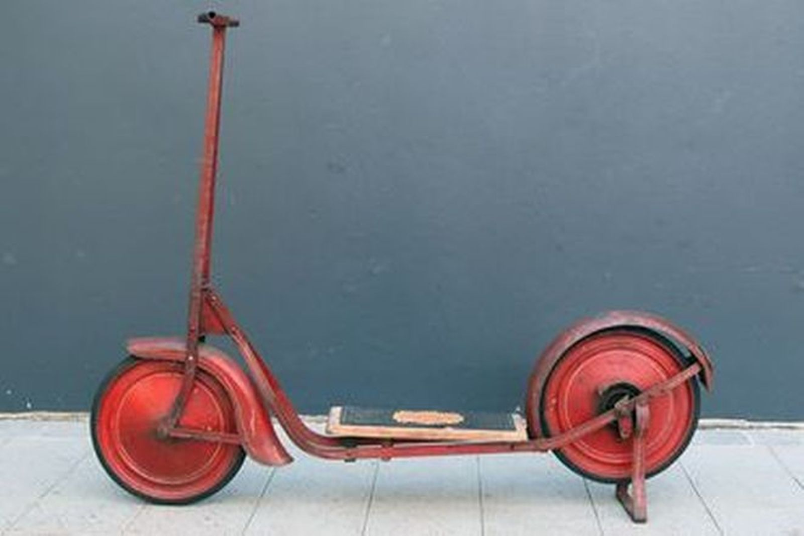 Scooter ? c1950 Cyclops Scooter