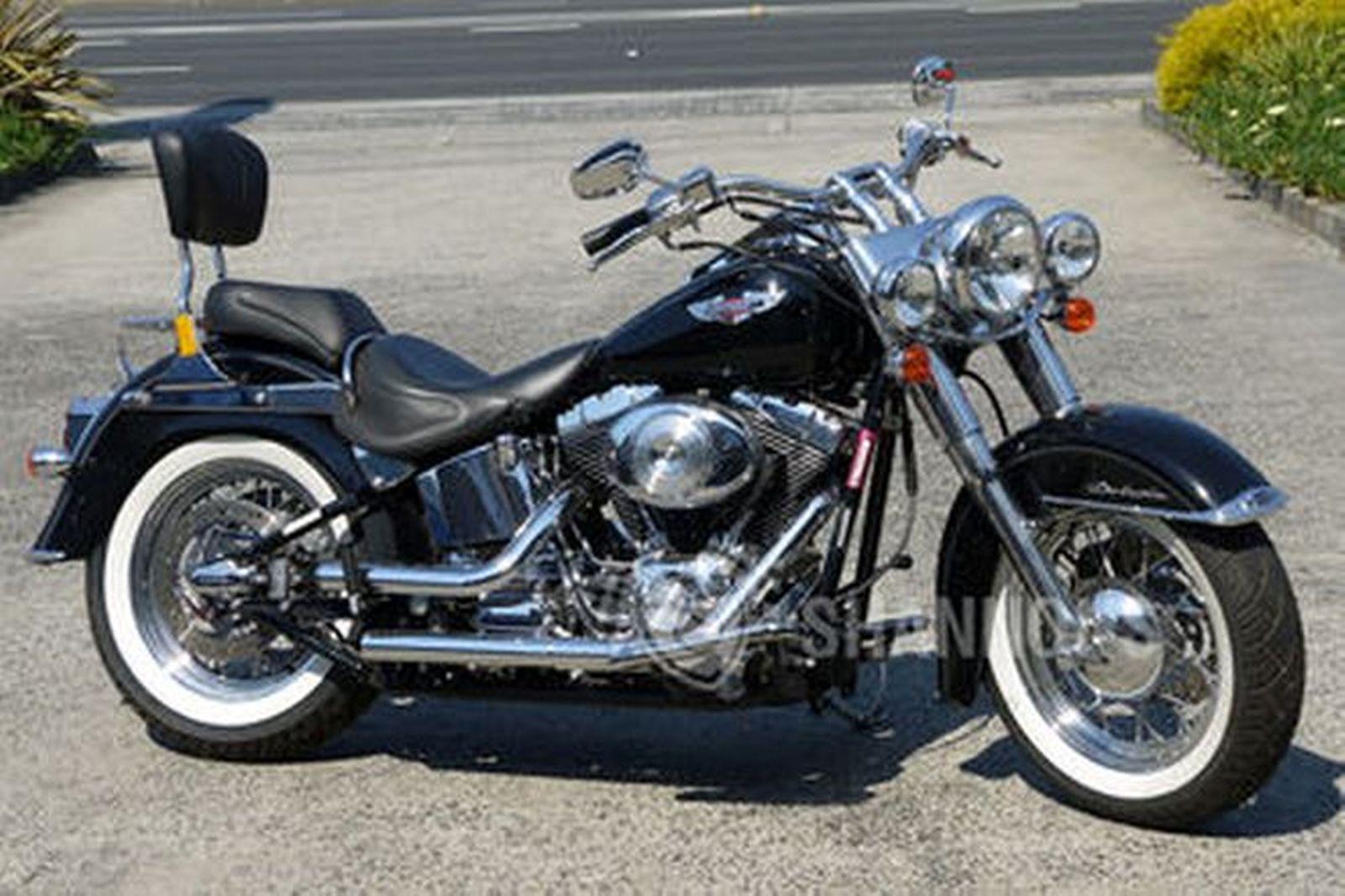 harley davidson flstn softail deluxe motorcycle auctions. Black Bedroom Furniture Sets. Home Design Ideas