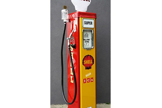 Petrol Pump - AS70 Wayne in Shell Livery (Restored with Reproduction Globe)