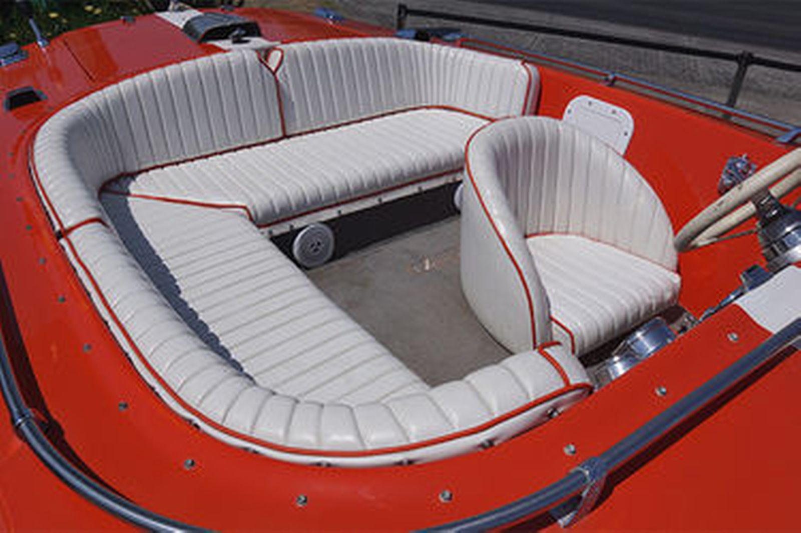 Donzi 'Sweet 16' Fibreglass Speed Boat on single axle trailer