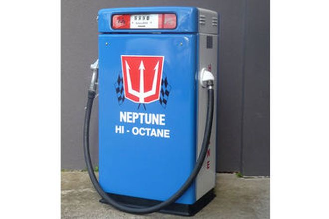 Petrol Pump - c1960's Wayne Duo 605 in Neptune Hi-Octane Livery (Restored)