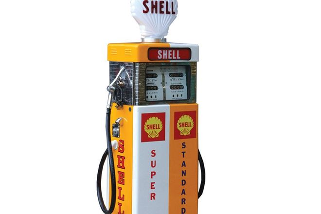 Petrol Pump - c1960s Wayne 605 'Double' in Shell Livery with Reproduction Globe