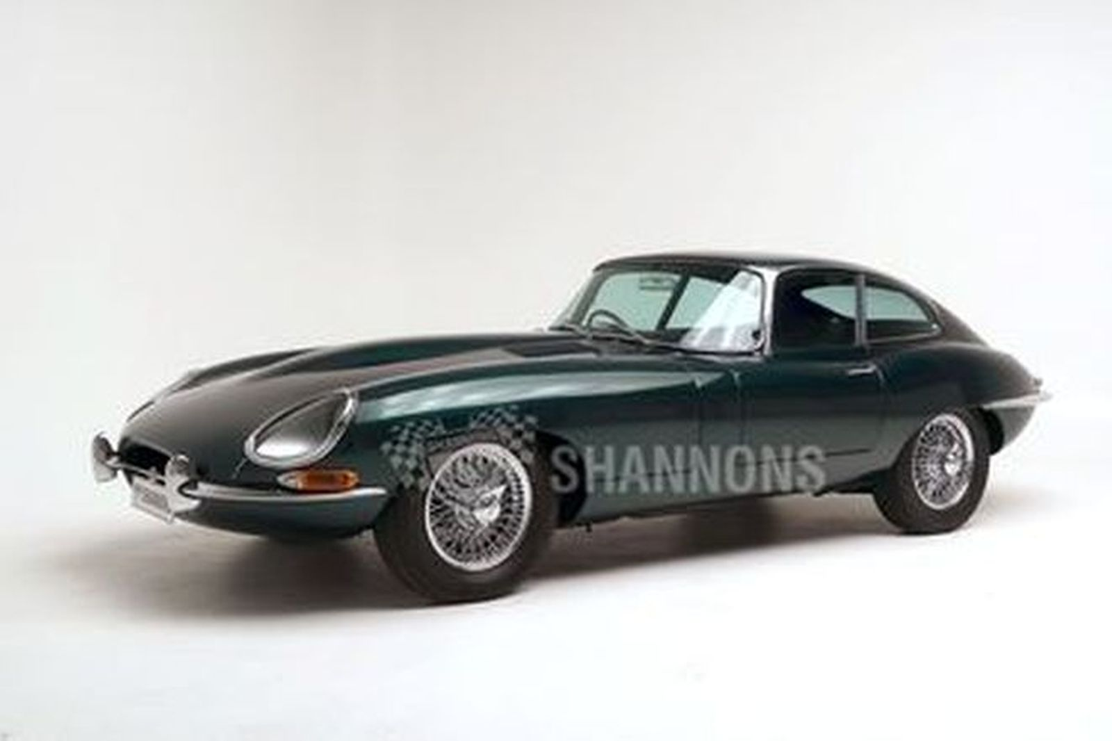 Jaguar E-Type 4.2 Series 1 Fixed-Head Coupe