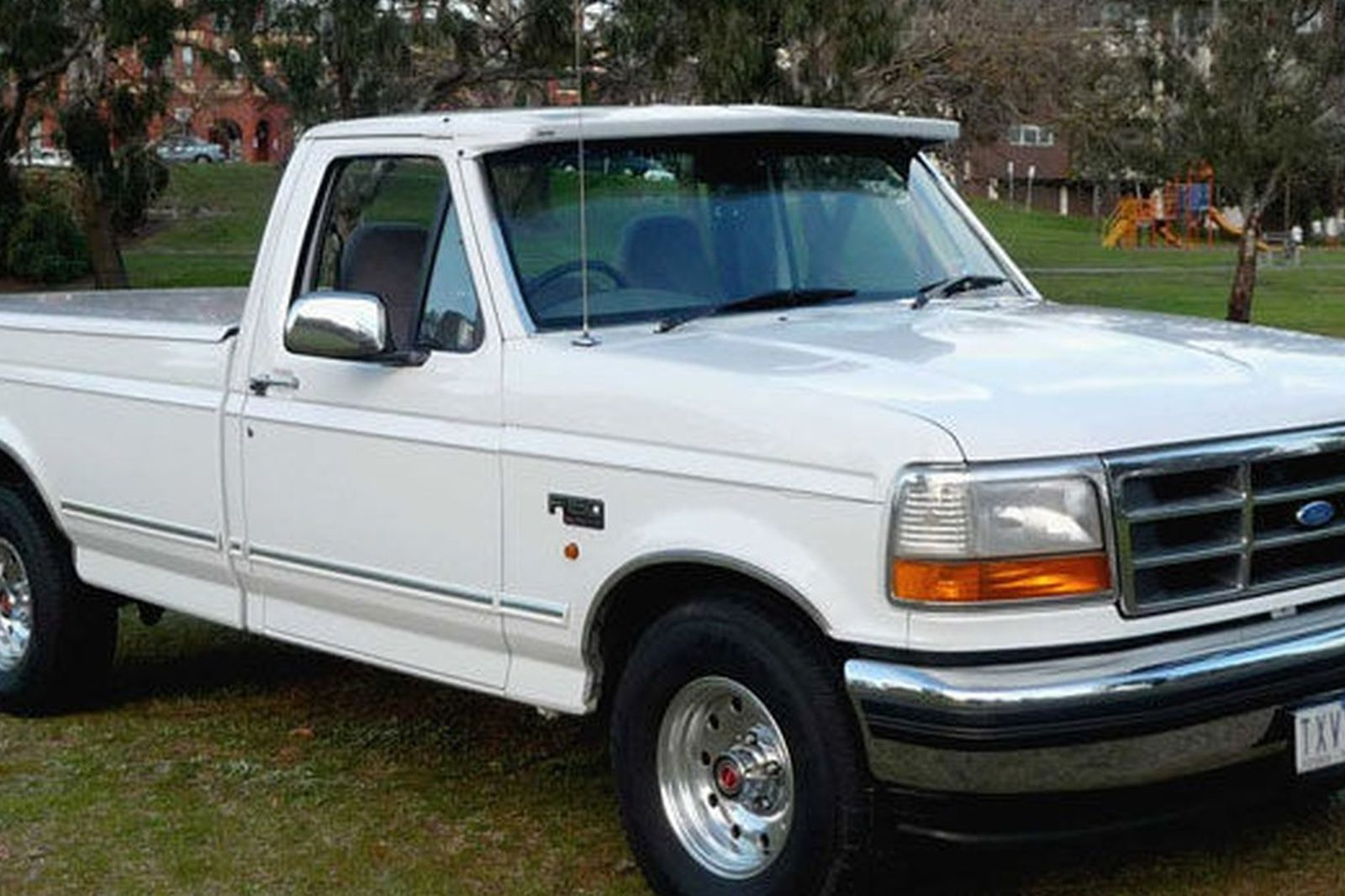 Ford F Xlt Utility on 1996 White Bronco