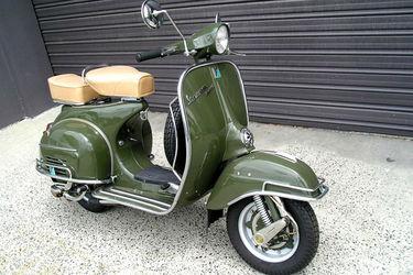 Vespa 150 Super Motorscooter