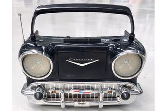 Black 1957 Chevrolet radio Cassette with charger and manual