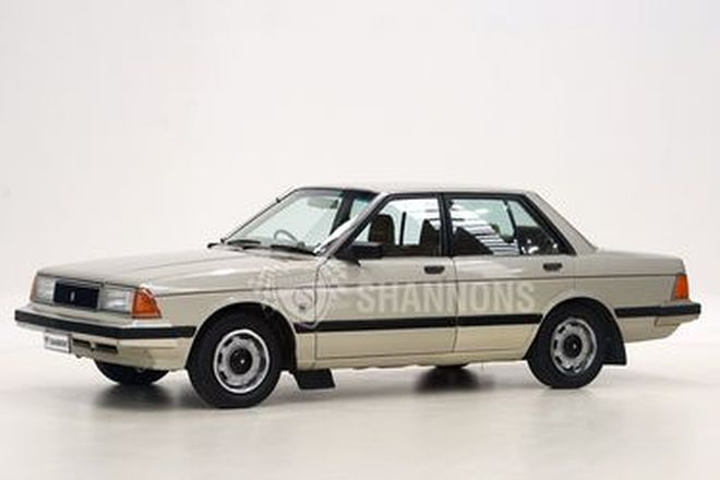Nissan Bluebird GL Sedan