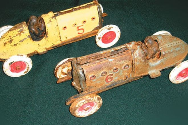 Model Cars - 2 x Hubley Cast Iron Race Cars (1920's - 1930's)