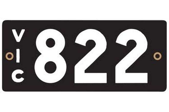 Victorian Heritage Number Plates '822'