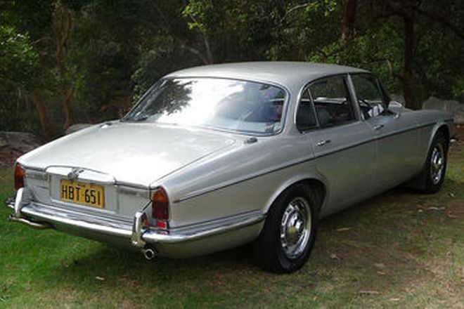 Daimler Sovereign Series 2 Saloon