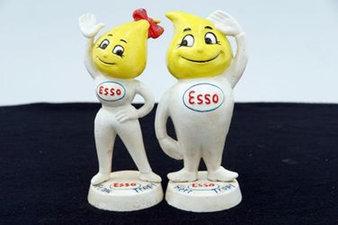 Figurine - Mr & Mrs Esso Man