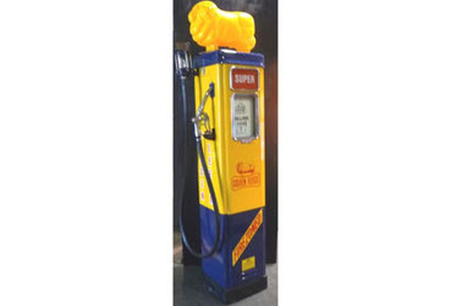 Petrol Pump - Wayne Electric in Golden Fleece Livery (Restored with Reproduction Ram)